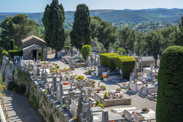 Fototapete - Cemetery of Saint-Paul-de-Vence
