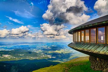 Fototapeta Mountaine shelter and meteorological observatory at the top of Sniezka mountain - Karkonosze, Poland obraz