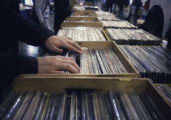 Spoed Foto op Canvas Muziekwinkel choice of vinyl records at the market
