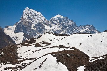 Beautiful mountain landscape in a sunny day. Trek to Everest bas