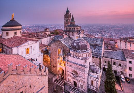 View from Campanone with Duomo to left and Cappella Colleoni/Basilica di Santa Maria Maggiore to right, Bergamo, Lombardy, Italy