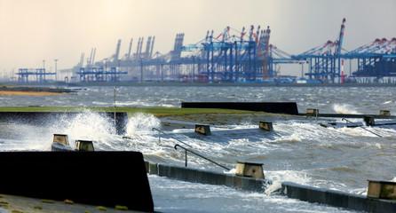 Sturmflut in Bremerhaven an der Nordseeküste