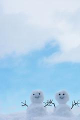 2人の雪だるま 青空