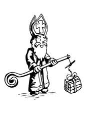 Sinterklaas vist een cadeautje uit het water