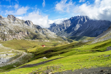 Spanien - Kantabrien - Picos de Europa - Fuente De Wall mural