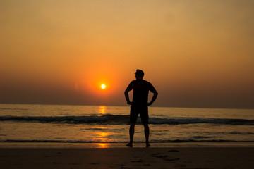 Alleine im Sonnenuntergang