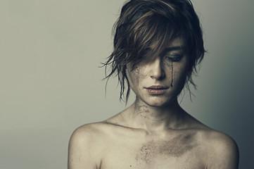 ragazza guerra lacrime 9