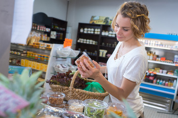 woman doing her shopping