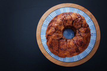 Monkey Bread with Caramel and Cinnamon