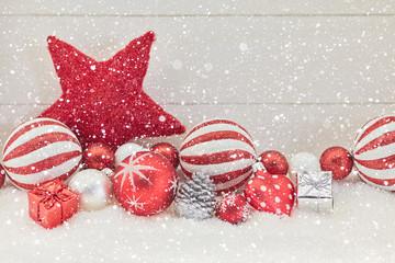 Weihnachten Dekoration mit Geschenk und Stern