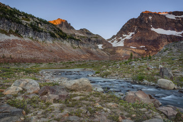 Dawn over Cascade Range and Alpine Lake