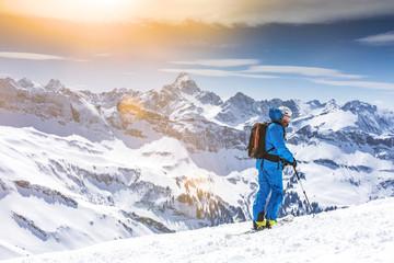 Freerider mit Blick auf das Alpenpanorama Wall mural