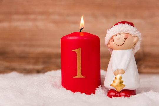 Kerze zum Advent mit der Ziffer 1