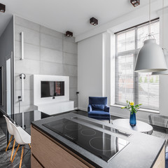 Flat with grey wall tiles
