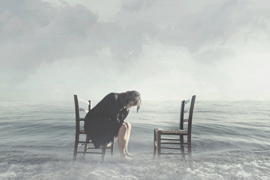 Desperate woman weeps the lack of her lover