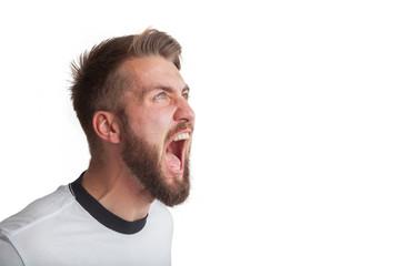 Empörter Sportler schreit seine Wut raus