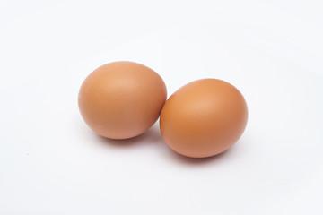 яйца крупным планом на белом фоне