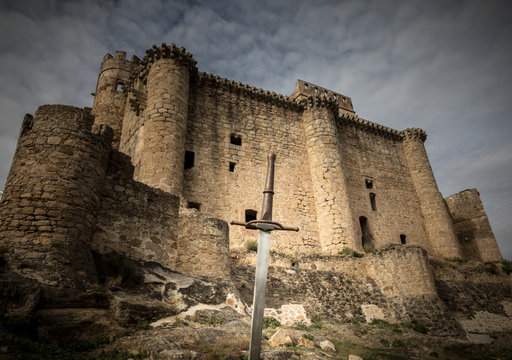 siege to the castle with swords