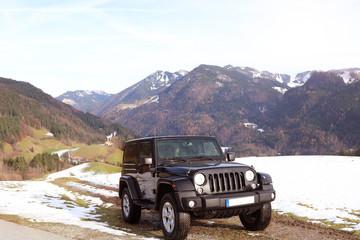 Jeep auf dem Berg