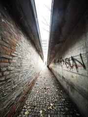 Keuken foto achterwand Smal steegje Walking between two walls