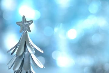 銀色のクリスマスツリー