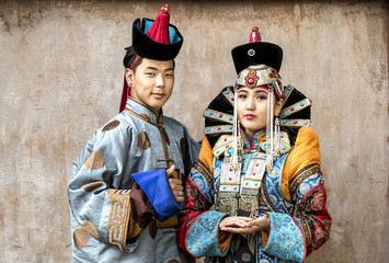 mongolian couple in traditional 13th century style outfits