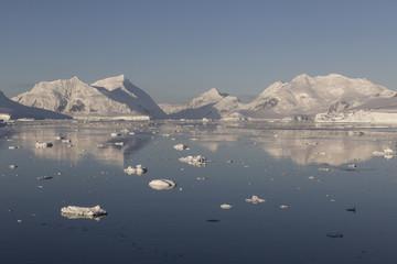 Treibeis im Laubeuf Fjord