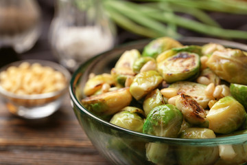 Roasted brussel sprouts in bowl, close up