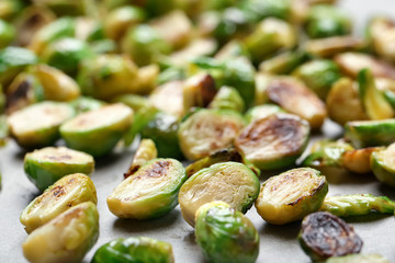 Photo sur Plexiglas Bruxelles Roasted brussel sprouts, close up