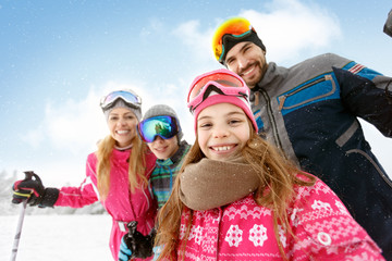 Family together on skiing