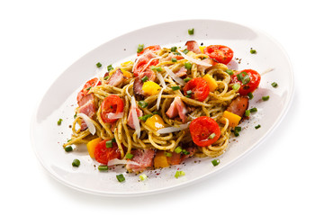 Pasta with bacon and vegetables