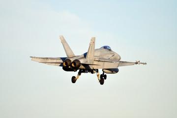 F/A-18 Hornet aterrizando en Albacete