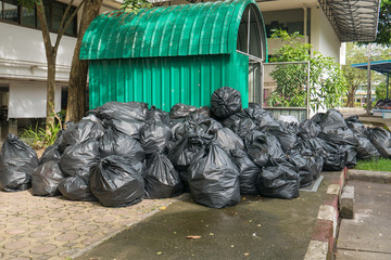 Garbage bags and garbage bins