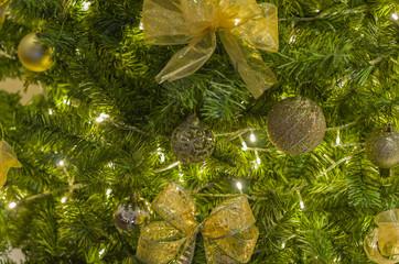 fundo natalino, árvore de natal decorada.