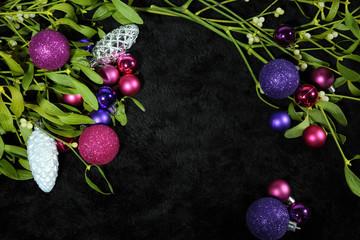 Bilder und videos suchen mistelzweig - Christbaumkugeln lila ...