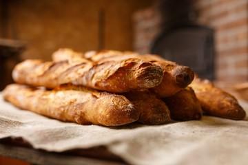 baguette,pain,français,boulangerie,croustillant,mie,doré,croute,déjeuner,beurre,sandwich,repas,