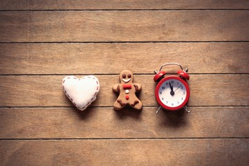 Christmas cookie and clock