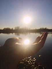 luce nella mano