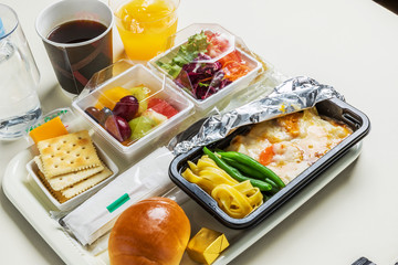 国際線の機内食 flight meal of the international economy