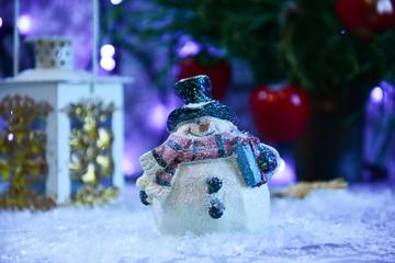 Fototapeta Ozdoba świąteczna, bałwanek w śniegu