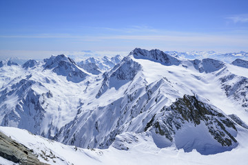 View over snow-covered Hochweisse and Hochwilde, Hinterer Seelenkogel, Obergurgl, Oetztal Alps, Tyrol, Austria