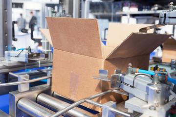 Cardboard package box packing machine