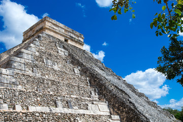 Temple of Kukulkan, pyramid in Chichen Itza,