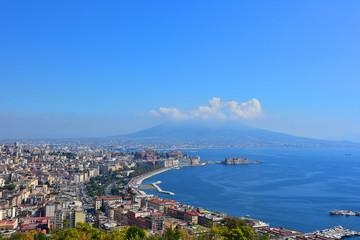 Napoli, panorama  del lungomare visto da Posillipo