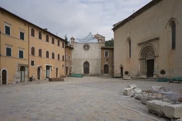 Piazza di Visso distrutta dal terremoto