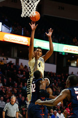NCAA Basketball: Illinois at Wake Forest