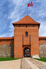 Eingang zur Wasserburg Trakai in Litauen