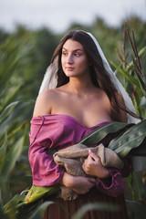 девушка в кукурузе