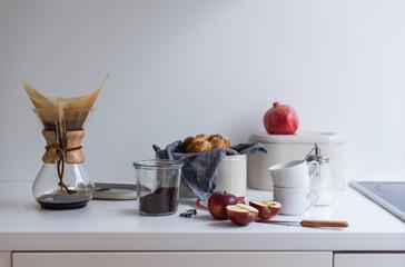 Küchen Stillleben mit Granatapfel