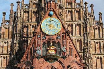 Foto auf Leinwand Kunstdenkmal Frauenkirche, Männleinlaufen - Astronomical clock, Nuremberg Germany